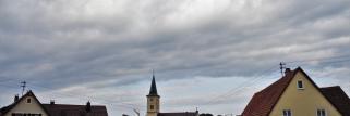 heubergwetter: nebel, wolken und ab und zu etwas sonne.