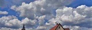 heubergwetter. morgens blauer himmel, jetzt werden die wolken immer dicker.