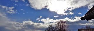 heubergwetter(sw-alb): kühle, klare nacht, sonne und wolken.