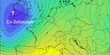 Extra-tropical cyclone moves towards Western Europe